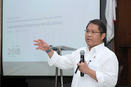 """Launching Sosial Media Fakultas Hukum @UAIlawschool Dan  Seminar """"Fenomena Media Sosial"""" Universitas Al Azhar Indonesia"""