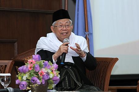 """Menjembatani Isu Agama Dan Politik Di Seminar Nasional """"Politisasi Dan Legitimasi Agama"""" Universitas Al Azhar Indonesia"""