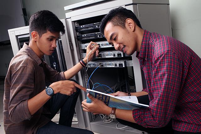 Video Profile Prodi Informatika Universitas Al Azhar Indonesia