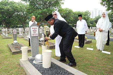 Ziarah Ke Taman Makam Pahlawan Kalibata Dalam Memperingati Hari Pahlawan