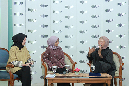 Empowering People With Your Style & Positive Manners On HIJUP Goes To Campus