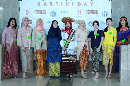 Semarakan Hari Kartini Bersama Mahasiswa FISIP Universitas Al Azhar Indonesia