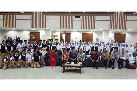 Kunjungan SMA Bina Bangsa Sejahtera Ke Universitas Al Azhar Indonesia