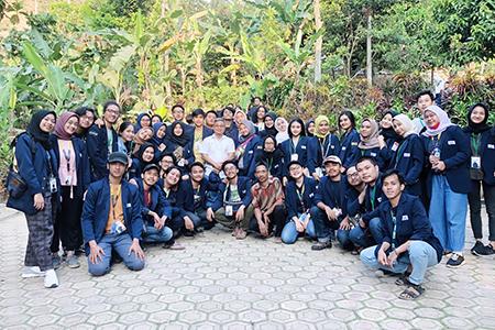 """Bersama Mewujudkan """"Wajah Baru Untuk Desaku""""  Di Fisip Berbakti 2019"""