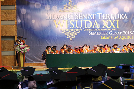 Semarak Wisuda Ke-XXI Universitas Al Azhar Indonesia