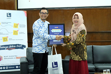 Loket Talks Goes To Universitas Al Azhar Indonesia