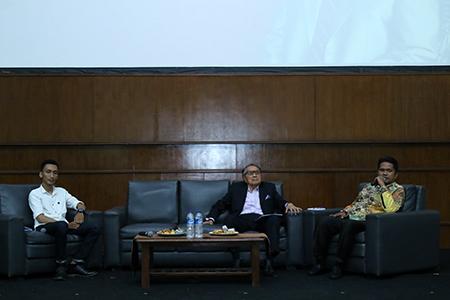 Mencari Solusi Isu KPK Dalam Seminar Nasional BEM FH UAI