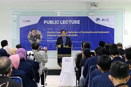UAI Gelar Kuliah Umum Bersama Menteri Kamboja