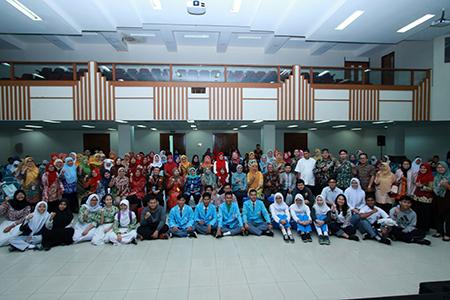 Sharing For Indonesia: Kegiatan Abdimas LPPM Bersama Dosen Dan Mahasiswa UAI